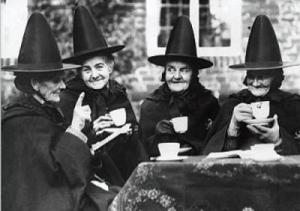 unknown-little-old-ladies-dressed-as-witches-drinking-tea-53720[1]